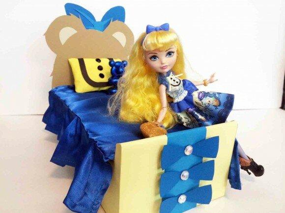 кровать Блонди Локс из Эвер Афтер Хай картинка