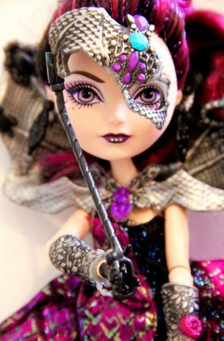 фото куклы Бал Коронации Рейвен Квин